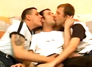 Gay,Gay Threesome,Gay Kissing,gay kissing,threesome,young men,blowjob,large dick,average dick,gay porn Cock Sharing Gays