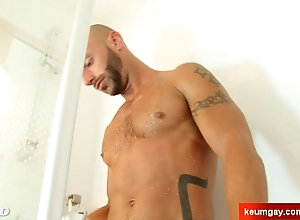 keumgay;massage;gay;hunk;jerking-off;huge-cock;dick;straight-guy;serviced;muscle;cock;get-wanked;wank,Muscle;Big Dick;Gay A nice innocent...