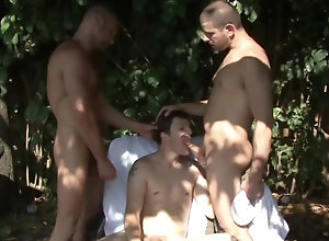 Gay,Gay Outdoor,Gay Handjob,gay,outdoor,threesome,handjob,blowjob,men,gay porn Chad Brock, Clay...