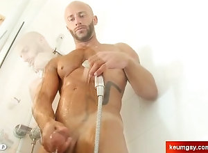keumgay;massage;gay;hunk;jerking-off;huge-cock;dick;straight-guy;serviced;muscle;cock;get-wanked;wank,Massage;Muscle;Gay Gym club's...