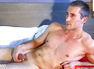 massage;gay;hunk;jerking-off;huge-cock;dick;straight-guy;serviced;muscle;cock;get-wanked;wank;keumgay,Massage;Big Dick;Gay Full video: A...
