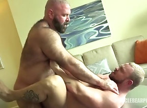 daddy-bear;hot-kissing,Gay;Bear;60fps;Mature Bears kiss and cum