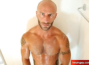 keumgay;massage;gay;hunk;jerking-off;huge-cock;cumshot;straight-guy;serviced;hand-job;cock;get-wanked;wank,Massage;Muscle;Gay My gym trainer...